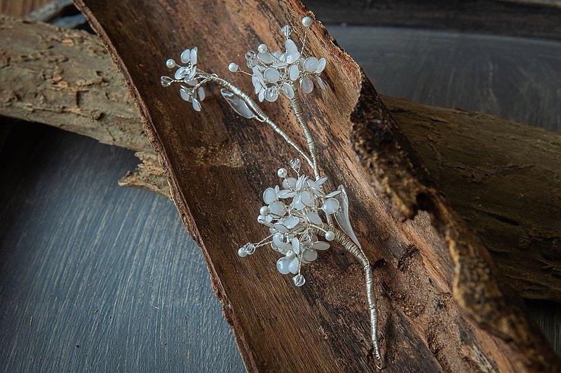 手工新娘飾品 輕輕綉麗 水晶樹脂繡球花髮飾 3株款