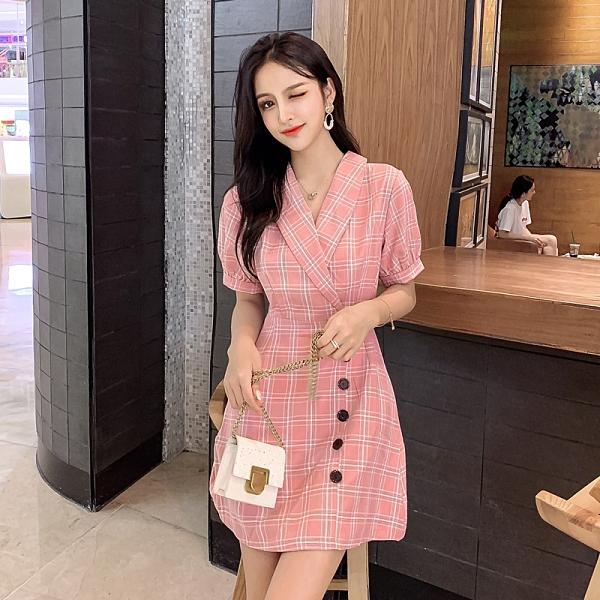 第二件5折 韓國風復古V領單排釦裝飾修身格子短袖洋裝