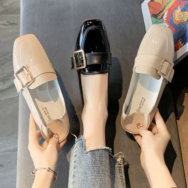 可後踩.MIT雜誌款鏡面漆皮扣環平底樂福包鞋.白鳥麗子