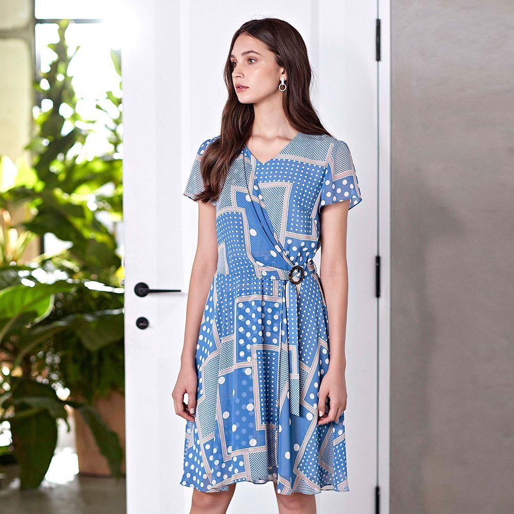 ILEY伊蕾 大小波點幾何印花收腰活片洋裝(藍)008761