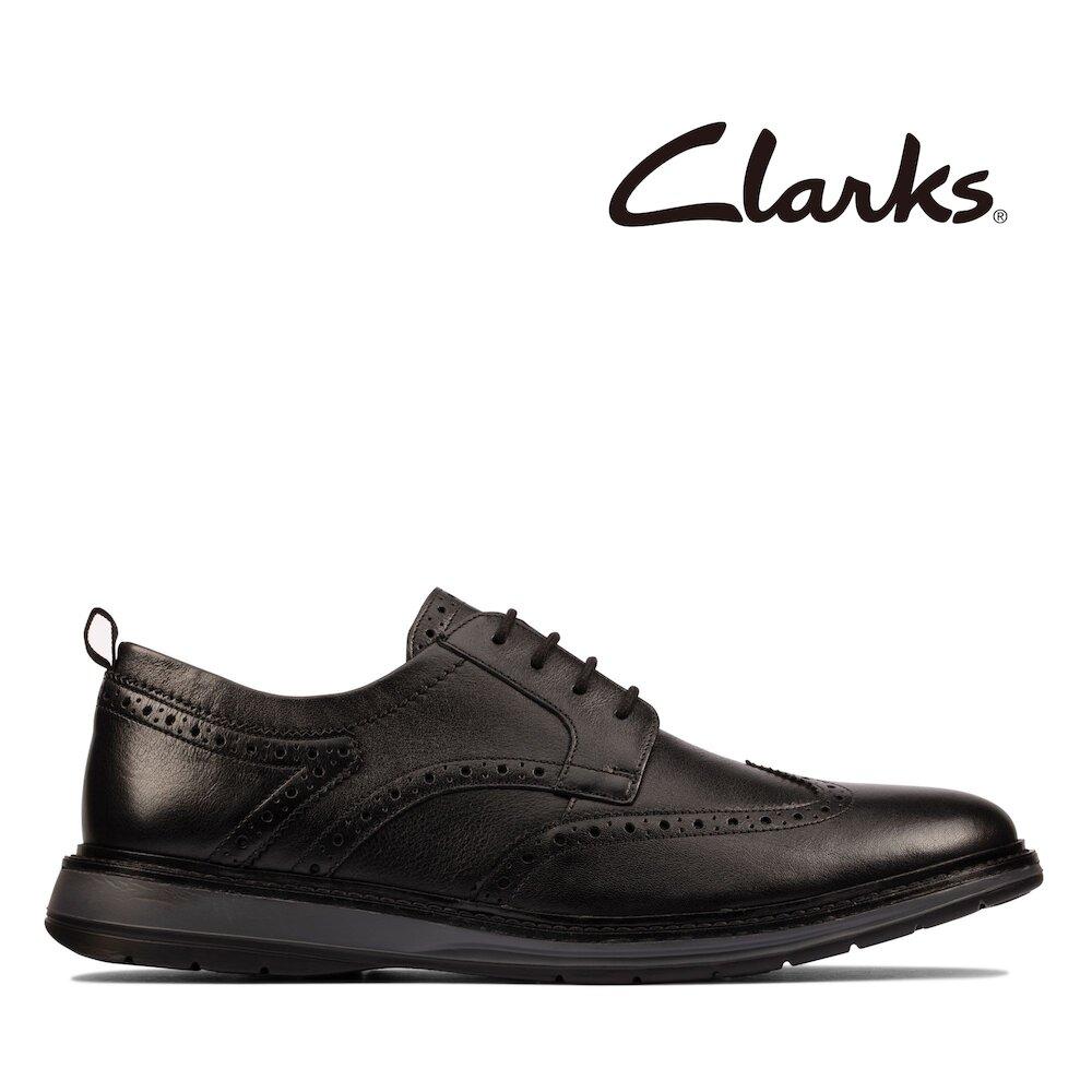 Clarks 摩登經典-Chantry Wing超輕量紳士雕花休閒鞋(黑色)