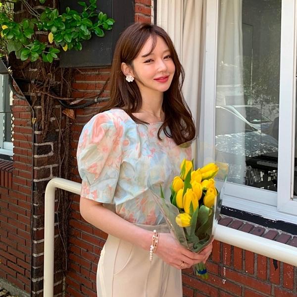 韓國製.夏日浪漫水彩印花方領公主袖雪紡上衣.白鳥麗子