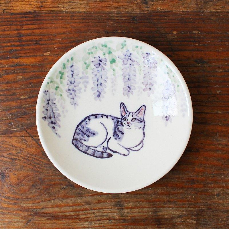 紫藤花和白底虎斑貓 小皿