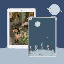 ZOYU原創 iPad 7/8 10.2吋 保護殼 透明氣囊殼 無蓋單面背殼-星球漫步(軟殼/無筆槽)