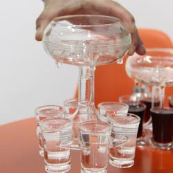 『環球嚴選』聚會用壓克力分酒器 杯子倒酒器 6分杯酒器K0002