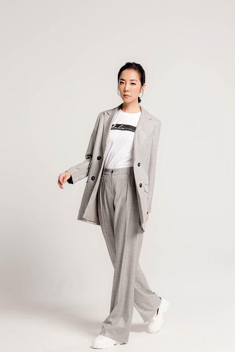 Malwine 灰色西裝外套 尺寸 M/L