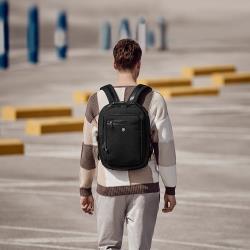 VICTORINOX 瑞士維氏15.6吋電腦後背包Compact Backpack 611474