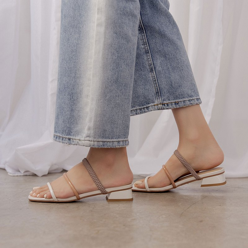 層次材質線條結構 方跟拖涼鞋 米
