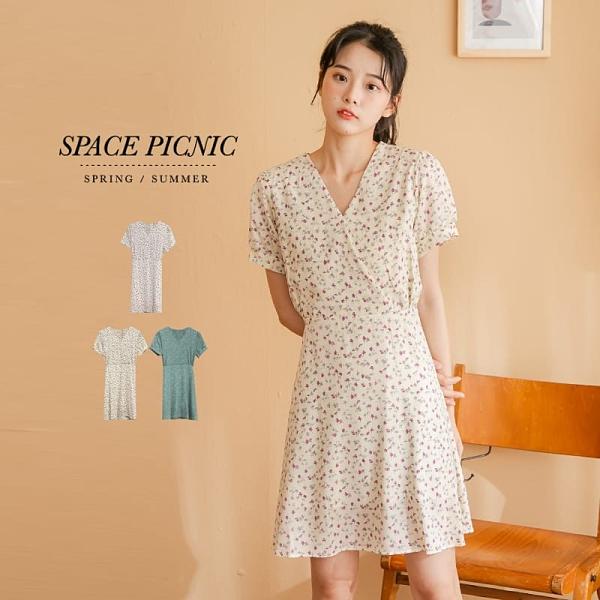 洋裝 Space Picnic V領碎花綁帶短洋裝(現+預)【C21052006】