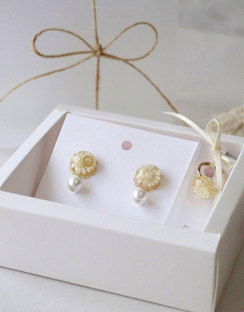 | 畢業禮物 | 小太陽 18kgf 耳環+戒指 禮盒 附小卡