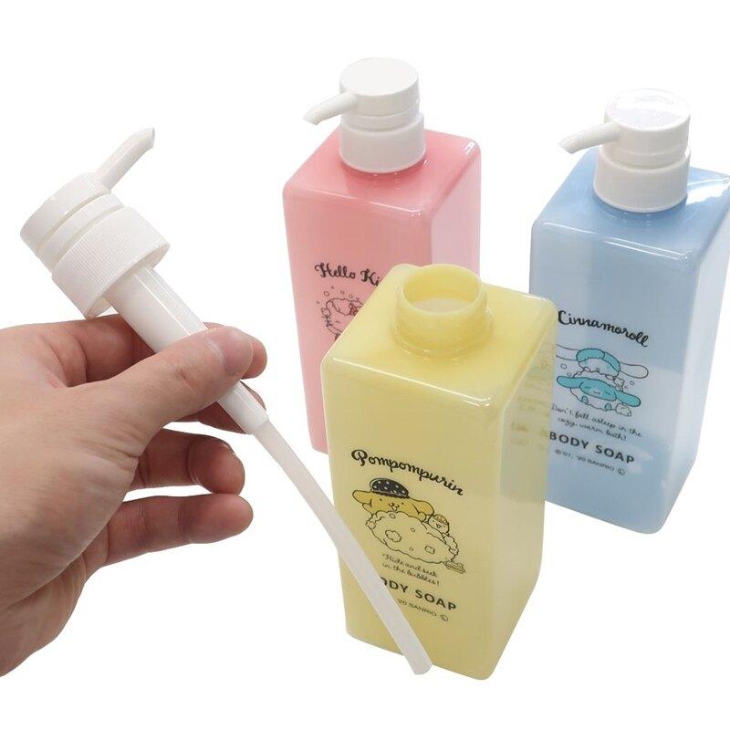 小禮堂 Hello Kitty 方形塑膠沐浴乳瓶 按壓式空瓶 沐浴罐 沐浴露罐 600ml  (粉 洗澡)