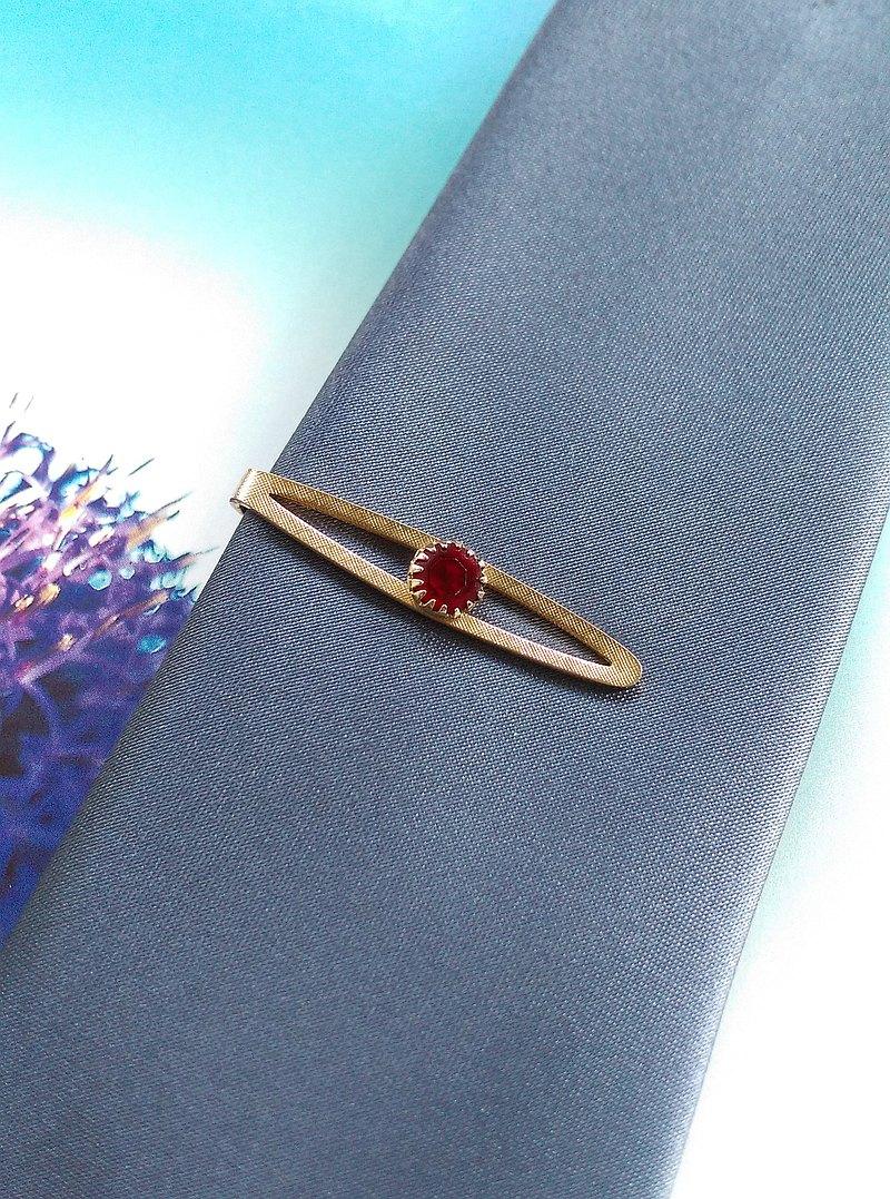 SWANK 小巧紅鑽 領帶夾。西洋古董飾品