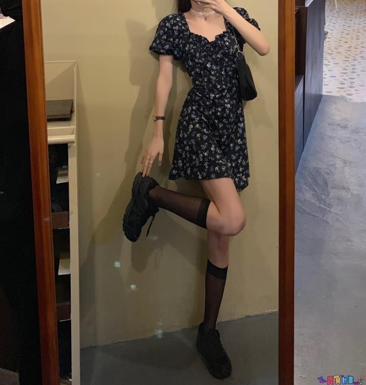 短袖連身裙 2021年夏季新款法式復古顯瘦收腰裙子泡泡袖方領碎花短裙連身裙女 7號Fashion家居館