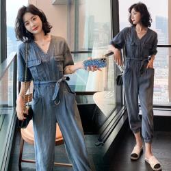 SZ-  韓系氣質V領腰綁帶牛仔連身束口褲S-XL