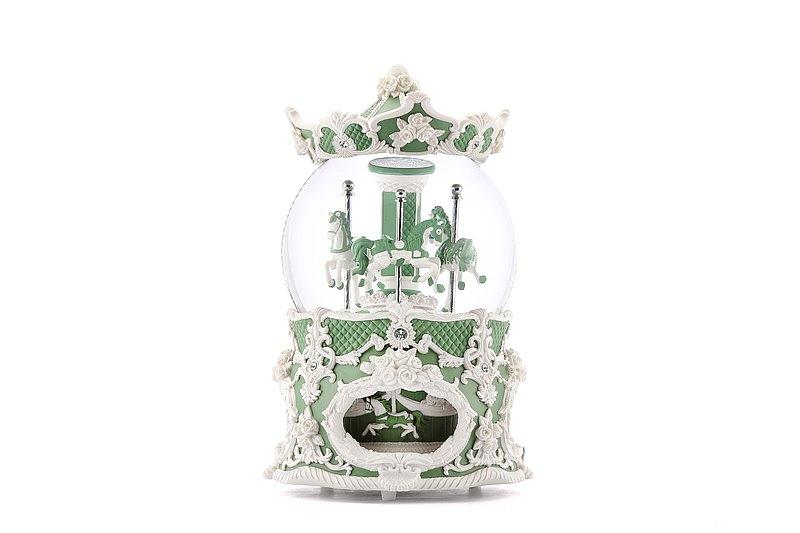 莫蘭迪綠 洛可可旋轉木馬水晶球音樂盒 燈光生日情人聖誕結婚新居