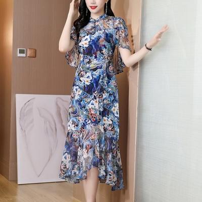 嬌豔亮彩典雅盤釦輕盈荷葉邊飄逸洋裝S-3XL(共二色)-REKO