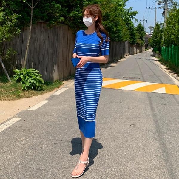 連身裙.日系溫柔橫條紋圓領短袖修身針織洋裝.白鳥麗子