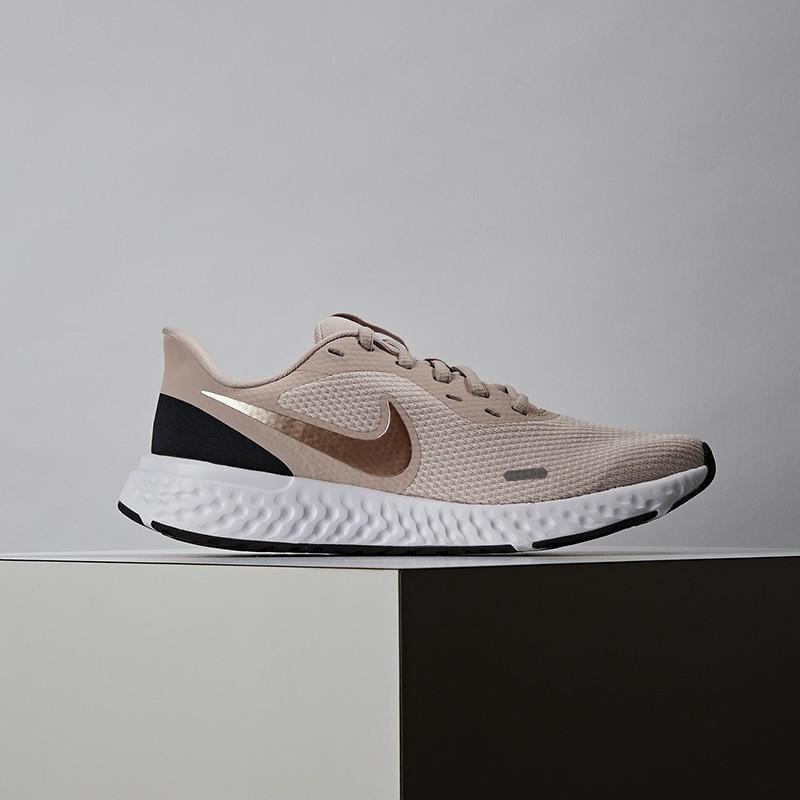 Nike WMNS Revolution 5 女 粉 輕量 透氣 避震 運動 慢跑鞋 BQ3207-600