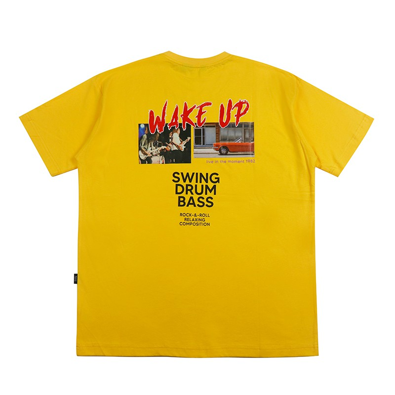 【RETOP】搖滾樂團寬版圓領T-黃 寬版 落肩TEE 樂團 相片 熱轉印 背後大圖 SM201174-09