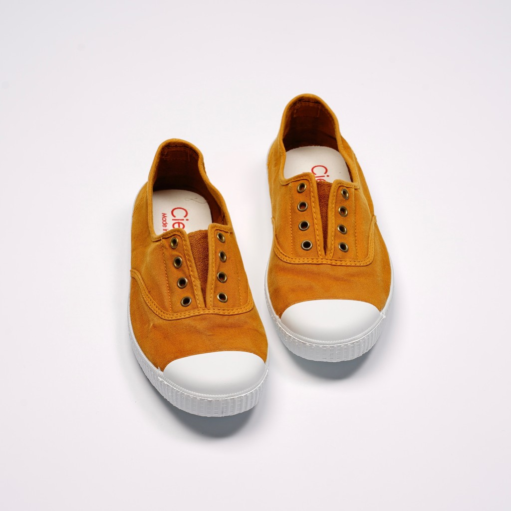 CIENTA 西班牙國民帆布鞋 70777 43 土黃色 洗舊布料 大人