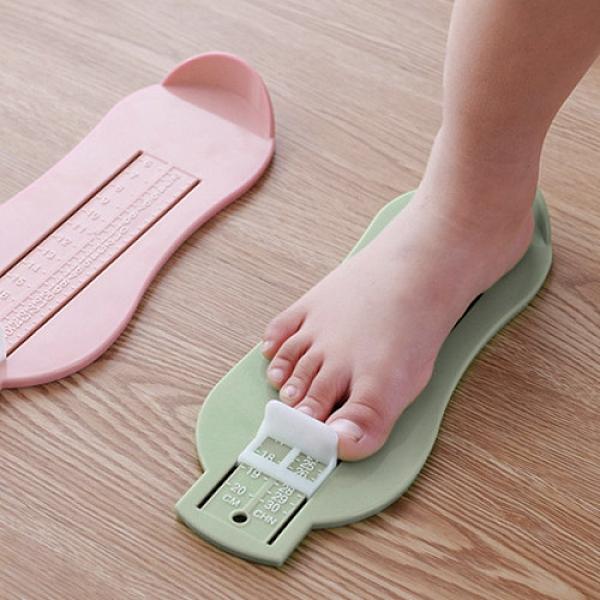 兒童量腳器 腳長測量尺 寶寶量腳器 嬰兒腳長測量器 (顏色隨機出貨)