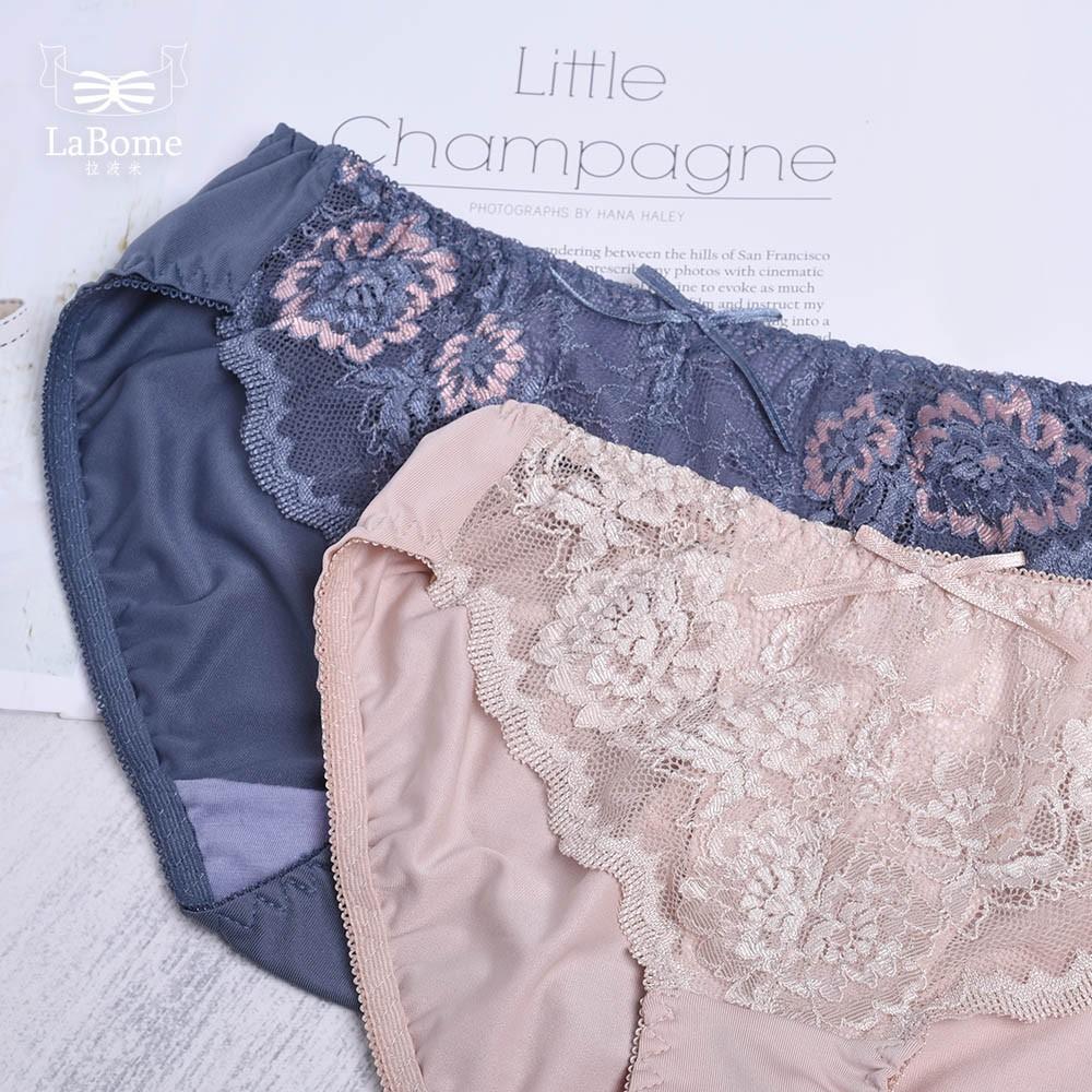 內褲 LaBome B50059【仲夏花漾】蕾絲內褲。親膚貼臀包覆。 裸膚色/灰藍色。M/L