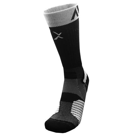 《8字繃帶》P84I長筒繃帶機能專業籃球襪(黑/白)