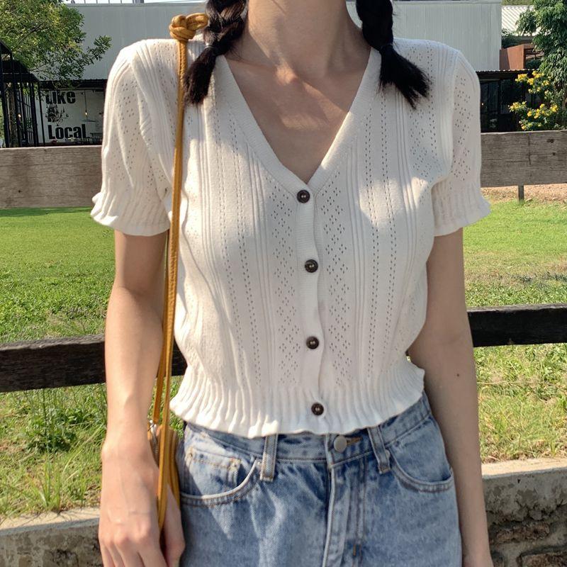 顯瘦百搭洋氣短款上衣 時尚簡約v領短袖T恤 新款夏季甜美針織開衫 女生衣著韓妞必備閨蜜實拍正韓女裝CC210528