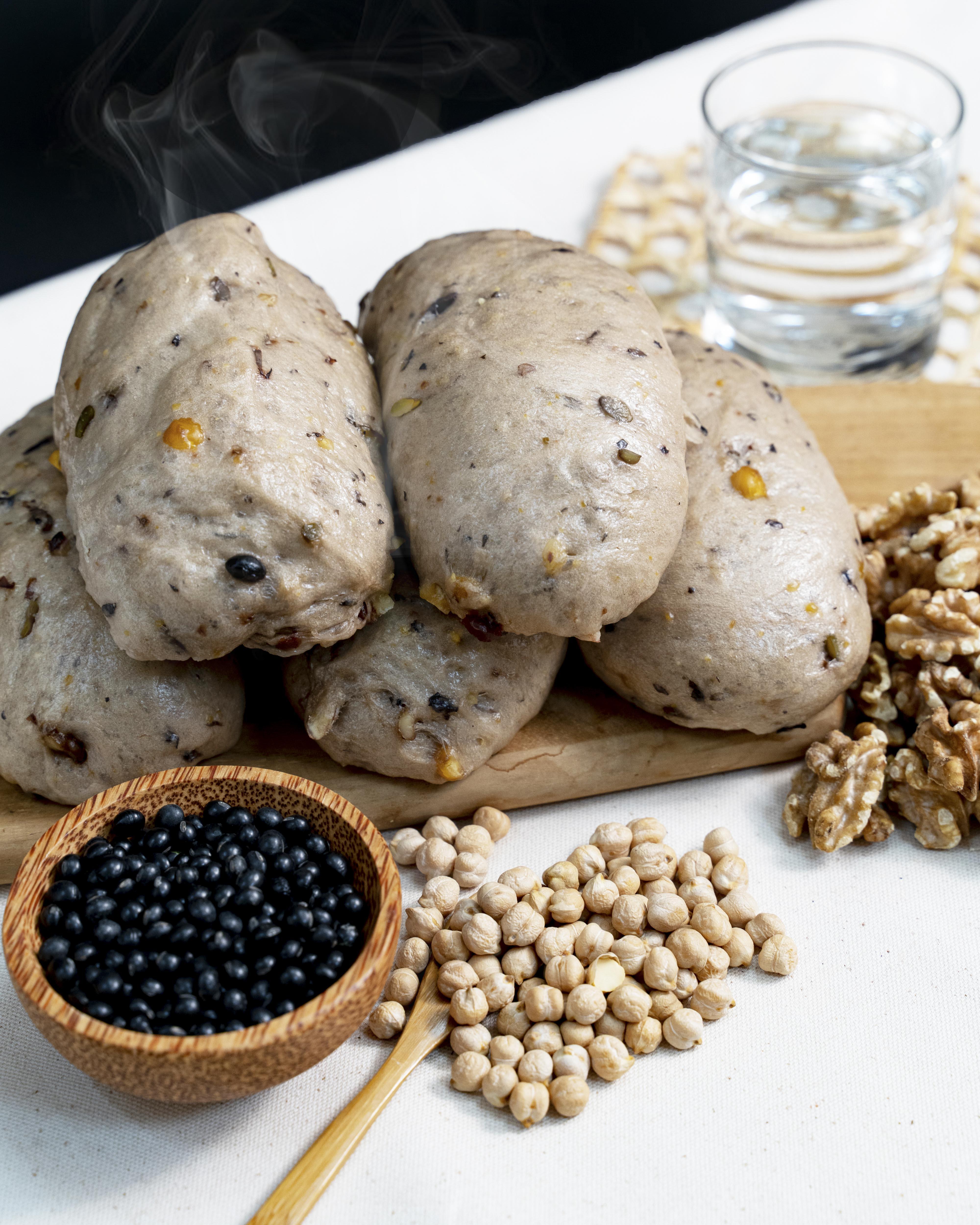 黑豆雜糧饅頭(三顆) 宋太太養生饅頭[蒸的醜]