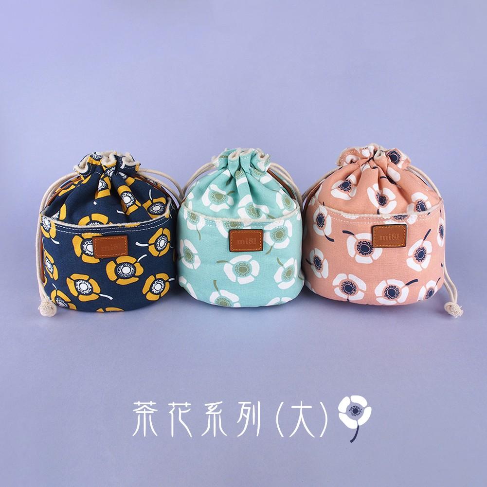 mi81 花布相機鏡頭袋/束口袋 茶花系列 (大)