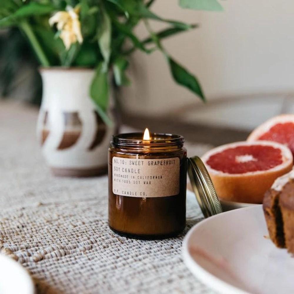 P.F. Candles CO.手工香氛蠟燭7.2oz香甜葡萄柚