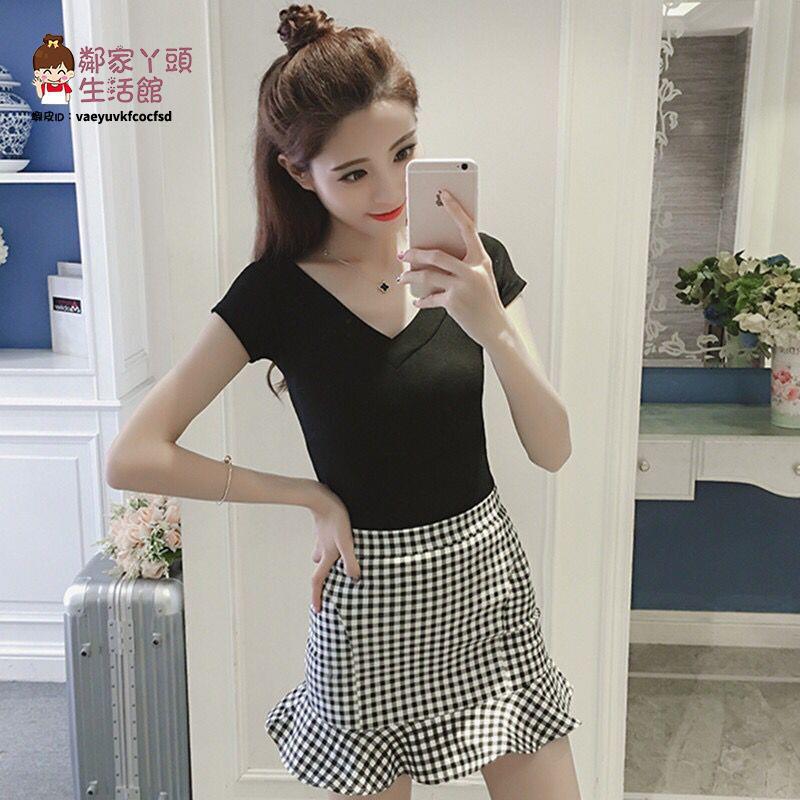 韓版夏季女裝時尚格子魚尾包臀短裙套裝2021新款修身半身裙兩件套【2021新款套裝裙】【鄰家丫頭】