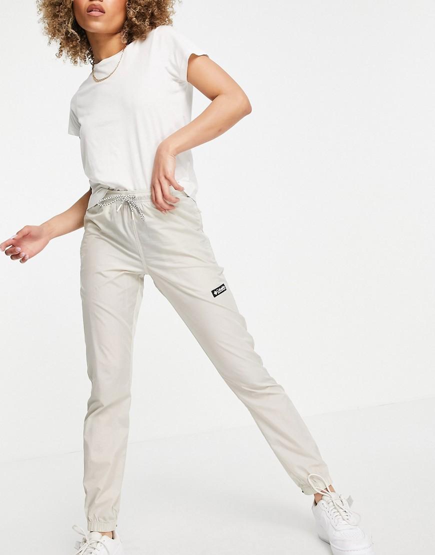 Columbia Santa Ana wind trousers in beige-Neutral