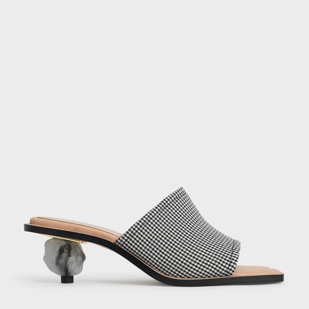 格紋球跟拖鞋