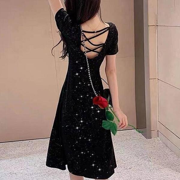 洋裝 連身裙 中大尺碼M-4XL新款法式複古閃閃女赫本風顯瘦後背交叉黑裙子4F051-928.胖胖唯依