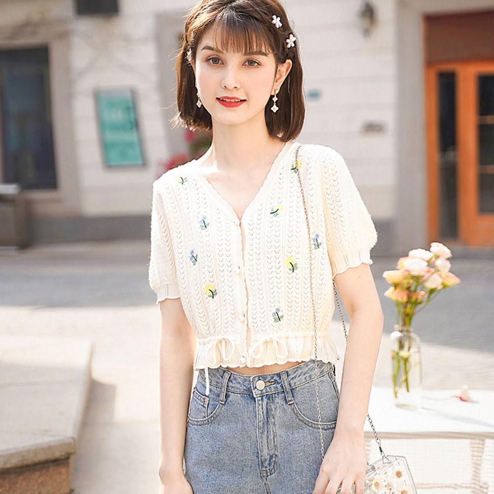 夏裝新款短款小眾設計感刺繡泡泡袖針織衫女生衣著甜美V領修身繫帶顯瘦短款上衣小開衫