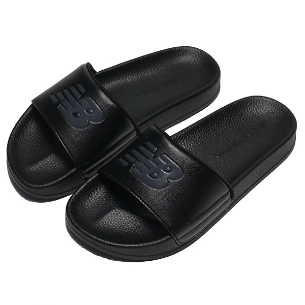 NEW BALANCE 拖鞋 全黑 大LOGO 韓系 海綿 運動 休閒 男女 (布魯克林) SD1101IBB