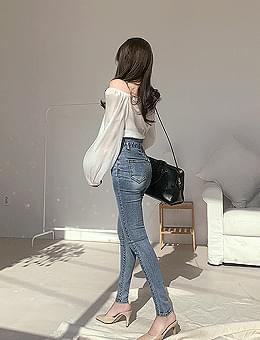 韓國空運 - Claire silk shirred cropped sheer off-shoulder blouse 襯衫