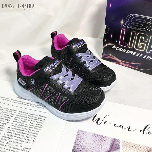 《7+1童鞋》中童 SKECHERS 302302LBLK 輕量 電燈 運動鞋 D942 黑色