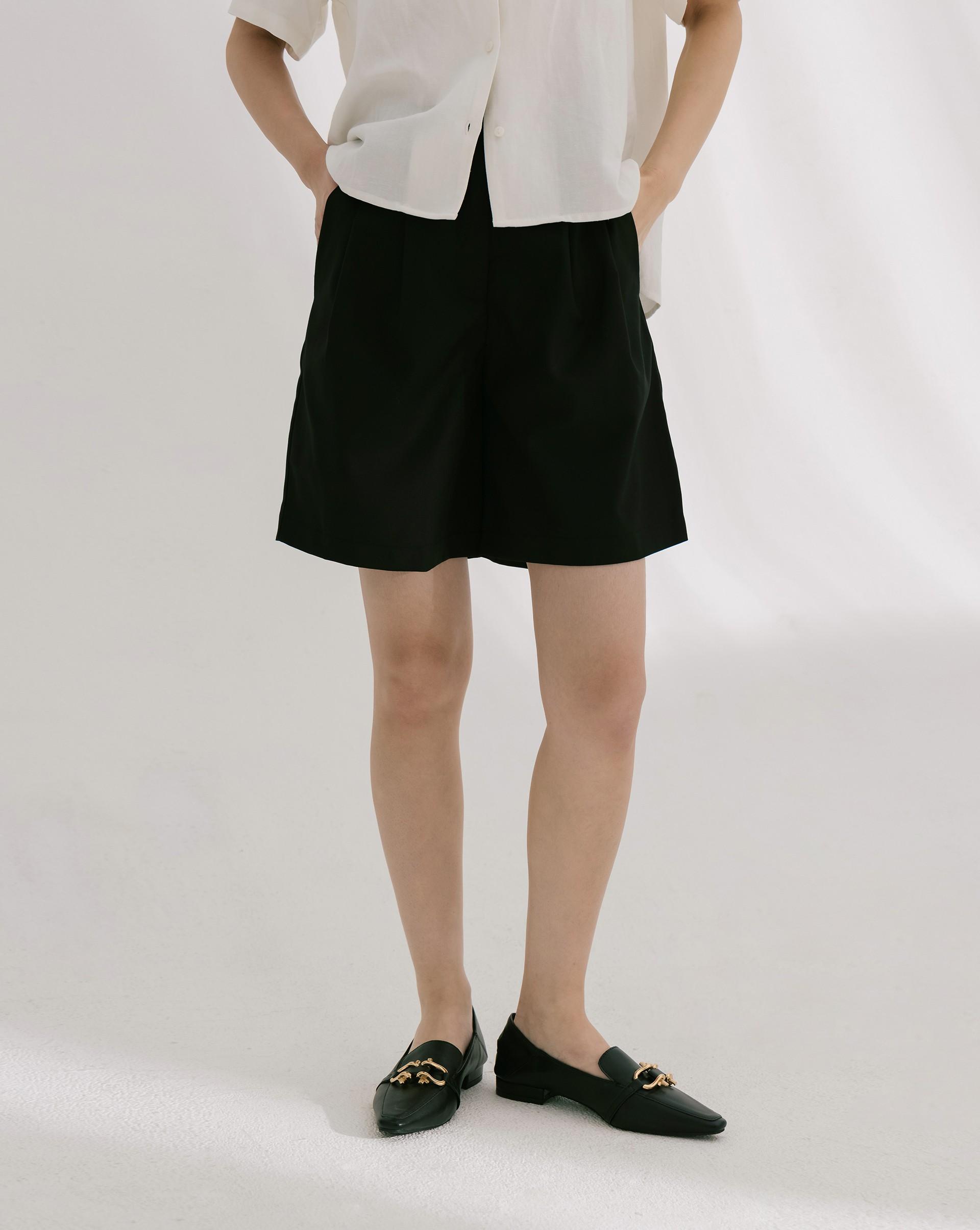 時髦雙打摺造型西裝短褲-Meierq