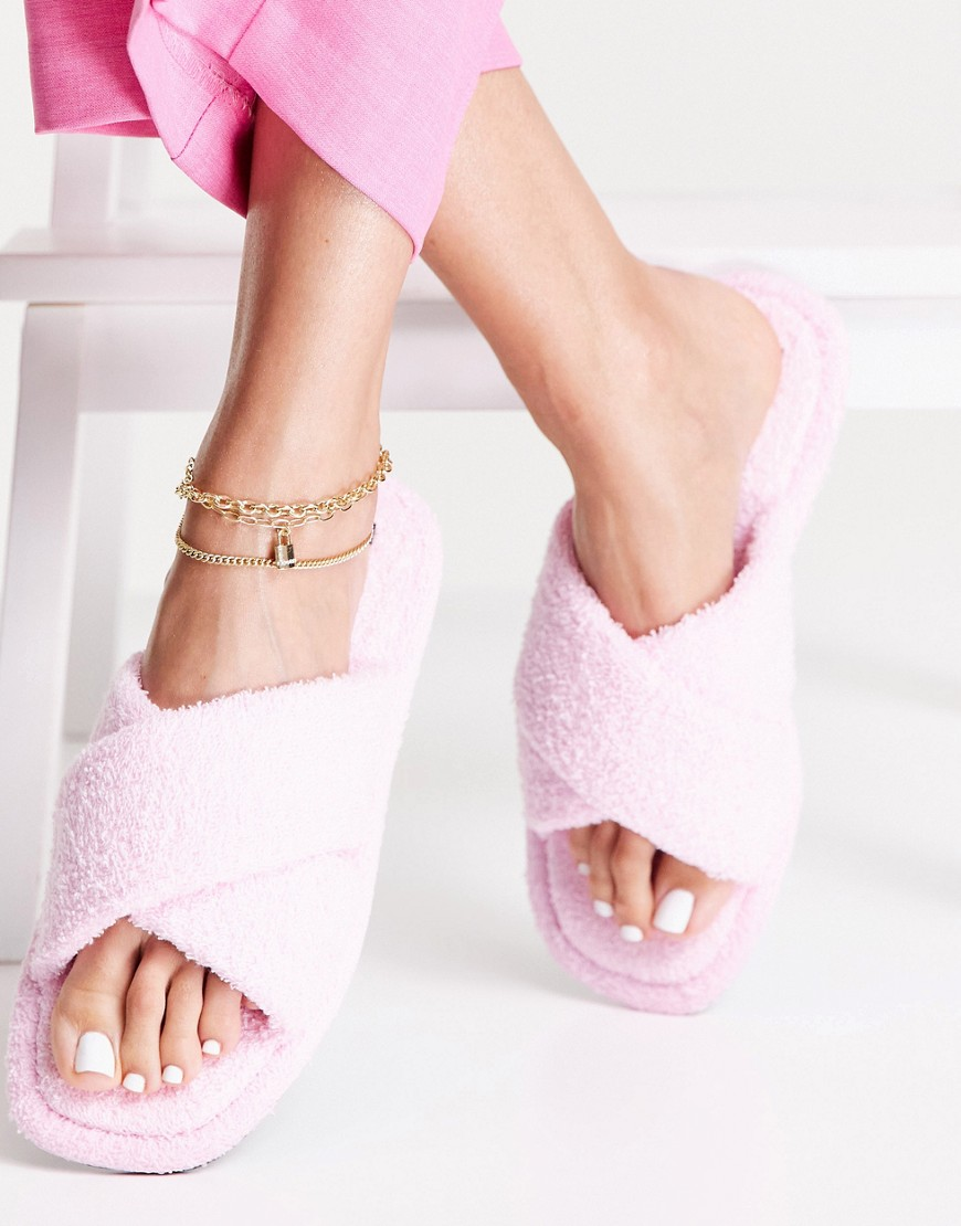 Senso Inka IV fluffy flat sandals with crossover strap in marshmallow-Pink