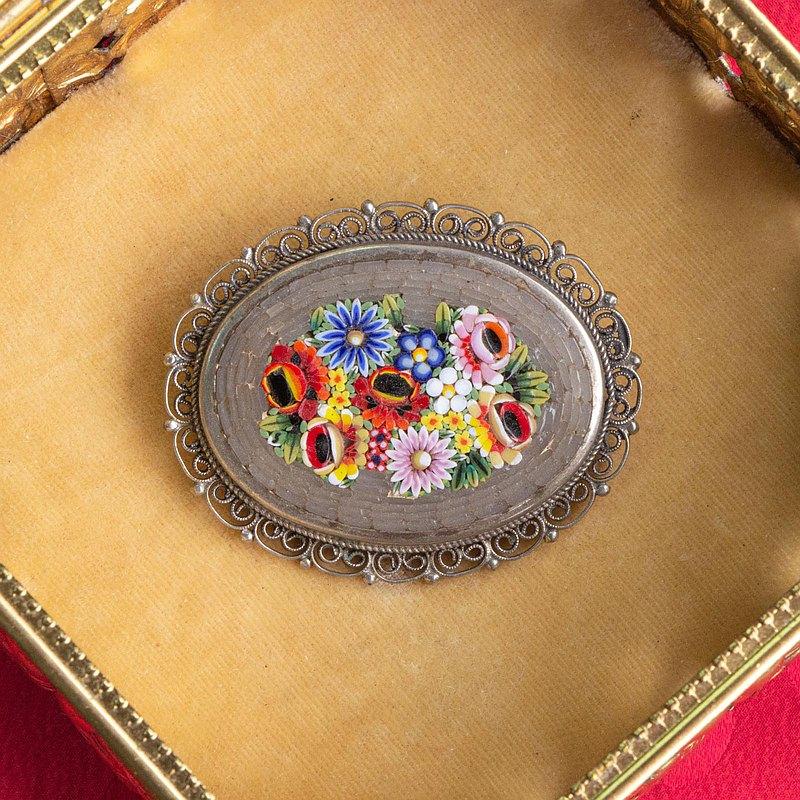 義大利古董 微鑲馬賽克傳統工藝 灰底花叢古銀大胸針