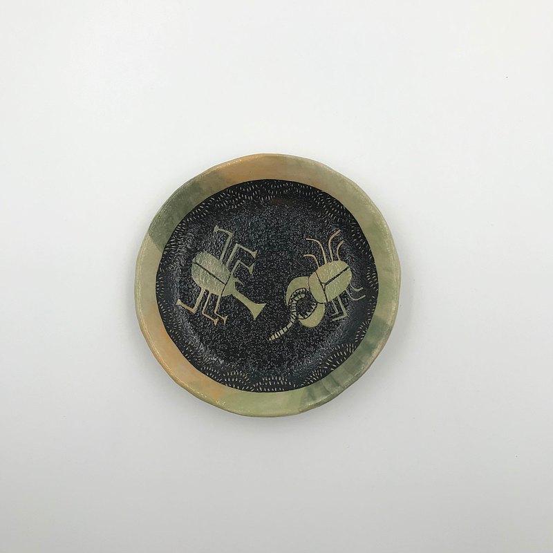 獨角仙與鍬形蟲小豆皿
