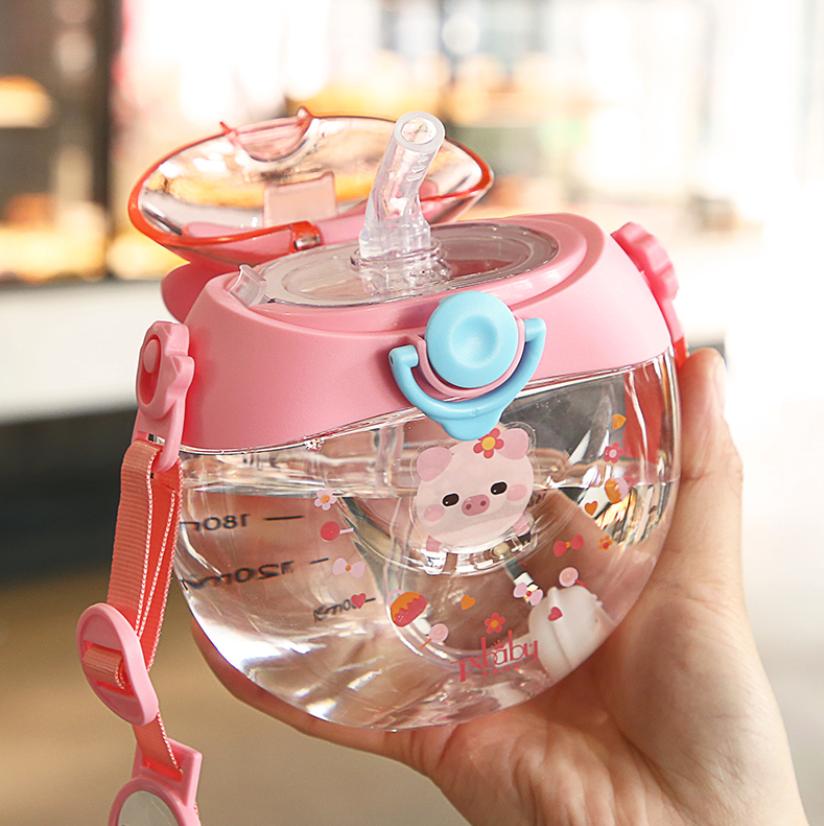 兒童水杯寶寶喝水杯子防摔女童吸管杯上學專用夏季甜甜圈水壺背帶
