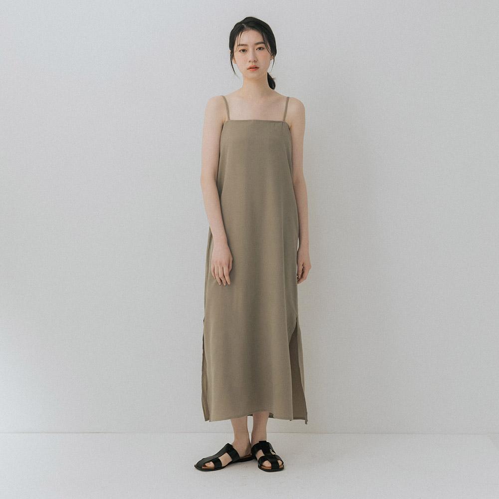 The Madre 氣質平口肩帶洋裝【兩色】