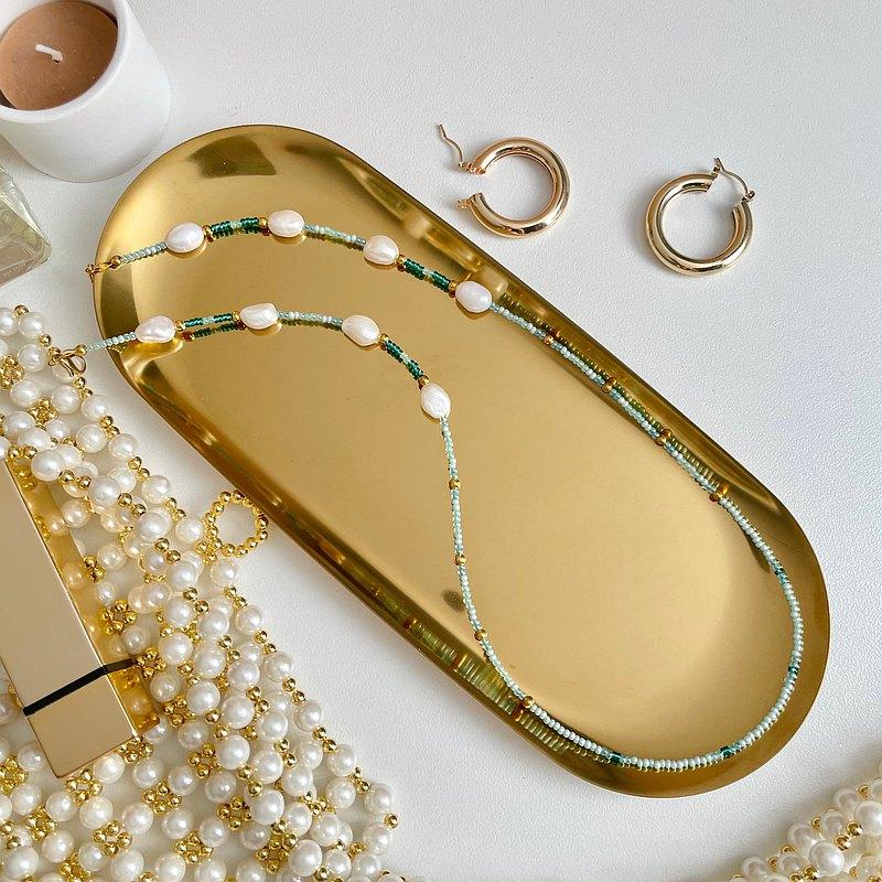串珠和淡水珍珠面膜帶