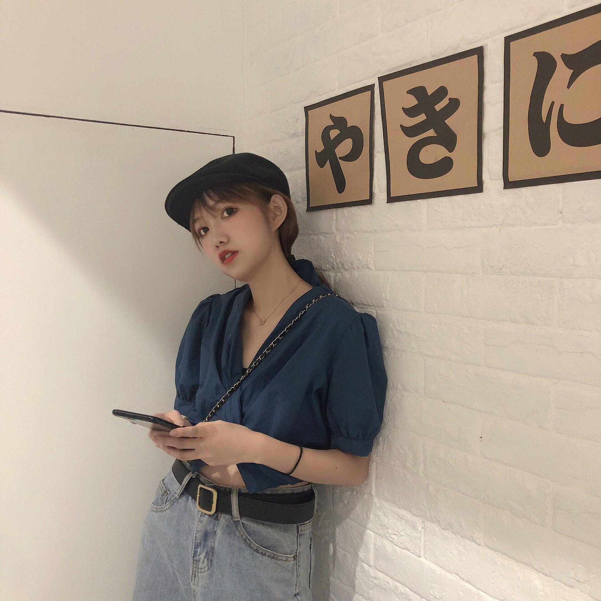 實拍 2021新款夏季韓國東大門新款女式短款顯瘦顯白V領上衣女