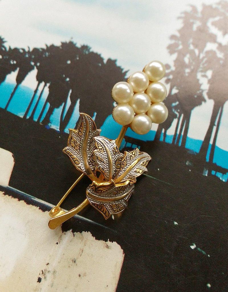 DAMASCENE  西班牙大馬士革首飾 立體珍珠花 。西洋古董飾品