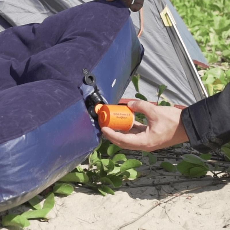 口袋裡的充氣幫浦 充氣+真空抽氣+照明三合一,戶外冒險,居家收納都實用! 【熱銷加碼】三合一迷你充氣幫浦 - 2 入
