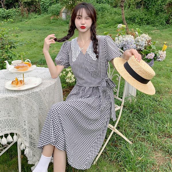 VK精品服飾 韓國風花邊領泡泡袖蕾絲娃娃領綁帶收腰繫帶長裙短袖洋裝